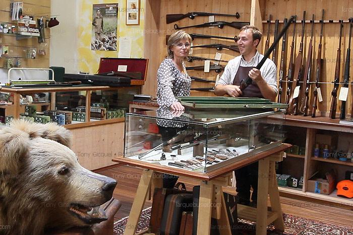 hunting shop l 39 arquebusier gunsmith in bordeaux 33000 france. Black Bedroom Furniture Sets. Home Design Ideas